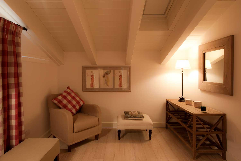 Bilocale mansarda appartamenti les fleurs bleues in for Appartamenti roma affitto mensile