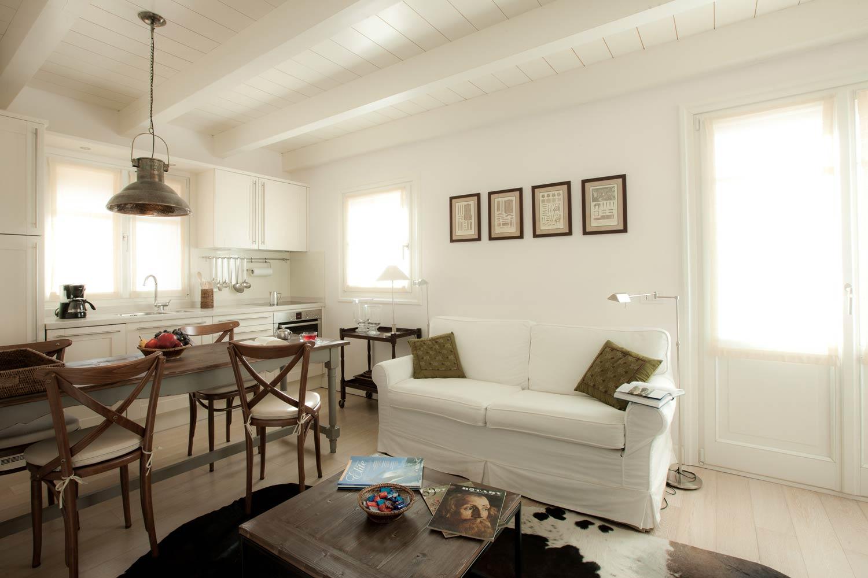 Luminoso Soggiorno Al Primo Piano Appartamenti Trilocali In Affitto A  Livigno
